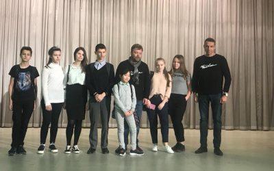 Театр «Человек» выступил в школе №2001